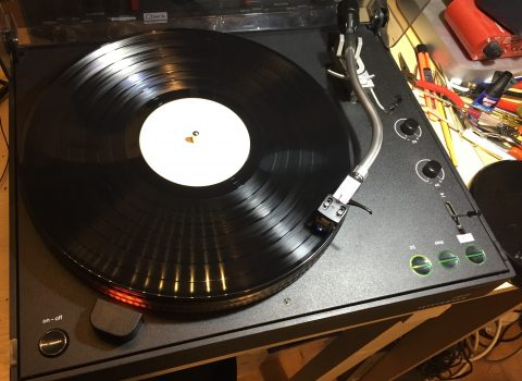 Inside a Telefunken S600 turntable